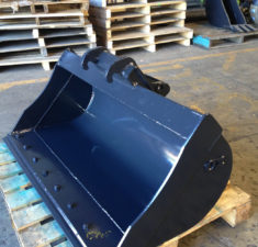 3 tonne 1200 mud with bobcat exchange bracket web