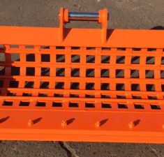 2.0 2.5T 1200mm Sieve Bucket with Bolt on Edge (2) web