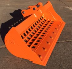 2.0 2.5T 1200mm Sieve Bucket with Bolt on Edge (4) web
