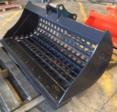 3.9   5.9T 1500mm Sieve with Bolt on Edge (1) web