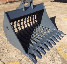 6.0   9.9T 1200mm Sieve Bucket with 100mm x 100mm Hole spacings (1) web
