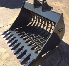 6.0   9.9T 1200mm Sieve Bucket with 100mm x 100mm Hole spacings (3) web